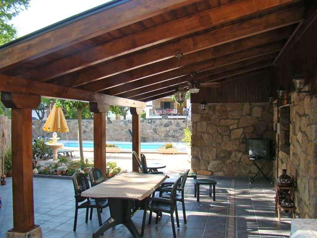 Porches de madera vitaycarp - Terrazas de madera rusticas ...