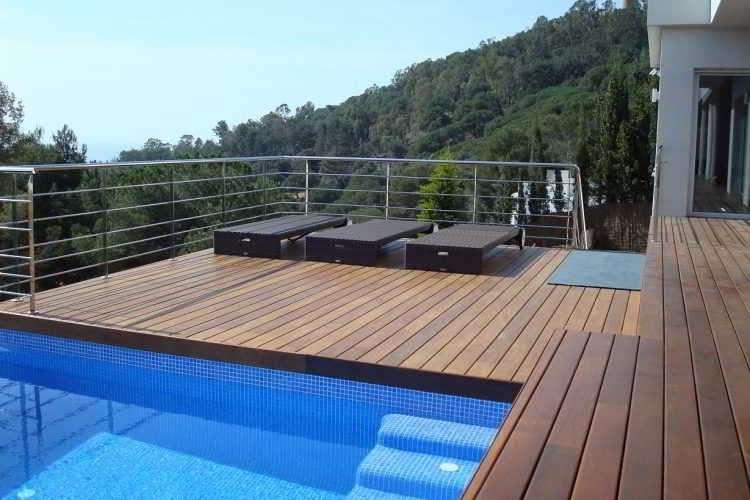 Usar madera en las piscinas