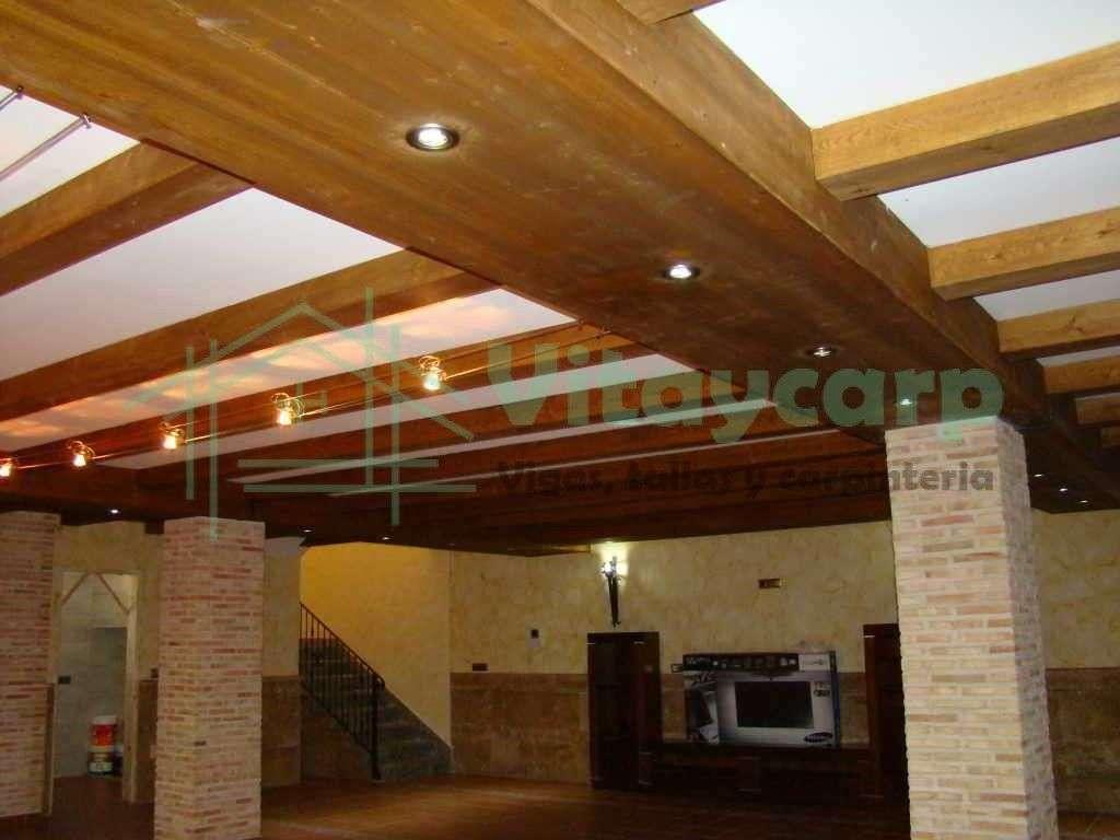 Forrado de techo con vigas huecas decorativas vitaycarp - Vigas decorativas ...